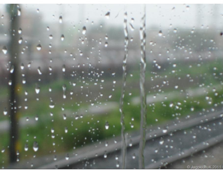 http://jagokluruk.files.wordpress.com/2011/10/rain-1.jpg